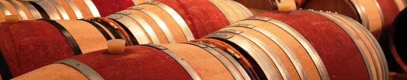 Geschmacksprobe im Holzfasskeller @ Holzfasskeller im Weingut | Hammelburg | Bayern | Deutschland